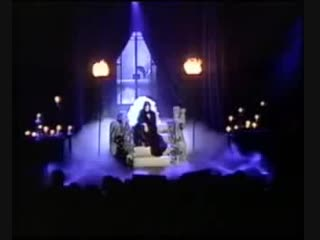 Annie Lennox - Love Song for a Vampire (Live)
