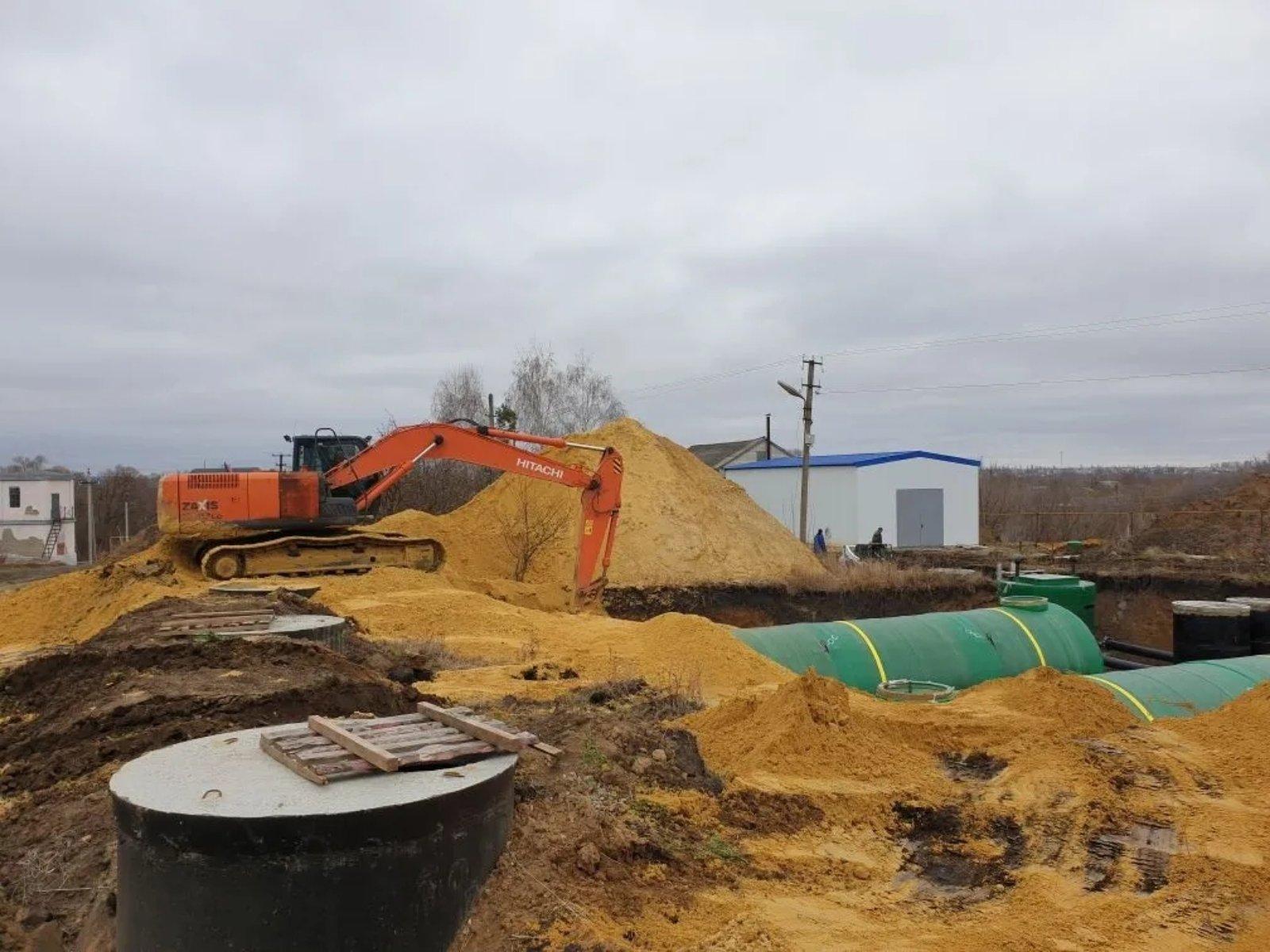На водозаборе №1 Петровска продолжаются работы по строительству современной станции обезжелезивания