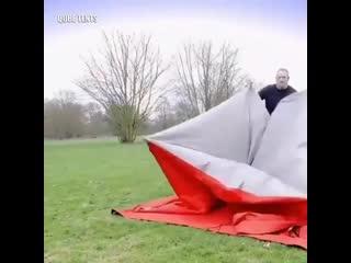 Дом-палатка, которая собирается легко за 2 минуты