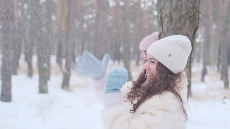 Белые ангелы в исполнении шоу группы Экстравагандза