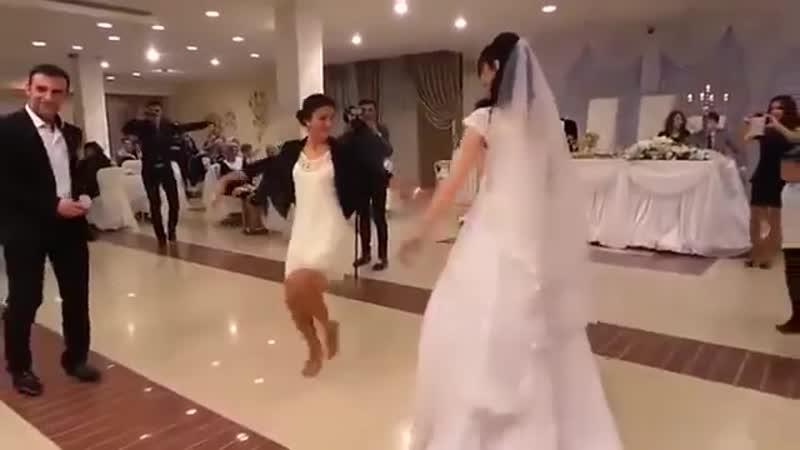 Azəri Qız Toyda Qan Eliyir Кровь азерб девушки на свадьбе Super Ləzginka 2015