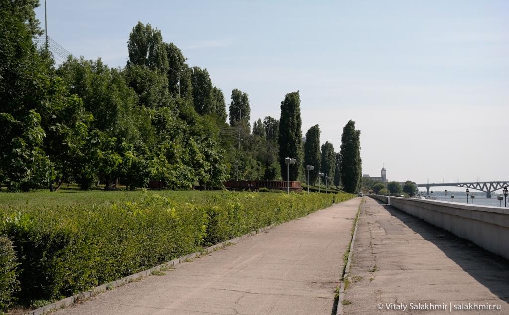 Парк на набережной в Саратове 2020