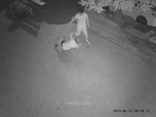Жестокое нападения Насильника на девушку !!!! Жесть подскажите в каком Городе